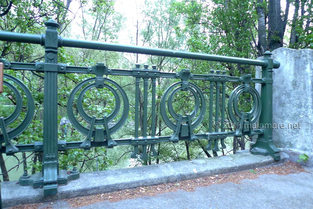Vienna Donaukanal fence