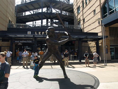 Willie Stargell statue