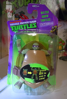 WICKED COOL TOYS :: Nickelodeon TEENAGE MUTANT NINJA TURTLES; 'WATER GROW TURTLES' - DONATELLO i (( 2013 ))