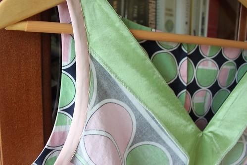 S2177 Sleeve & Neckline Interior