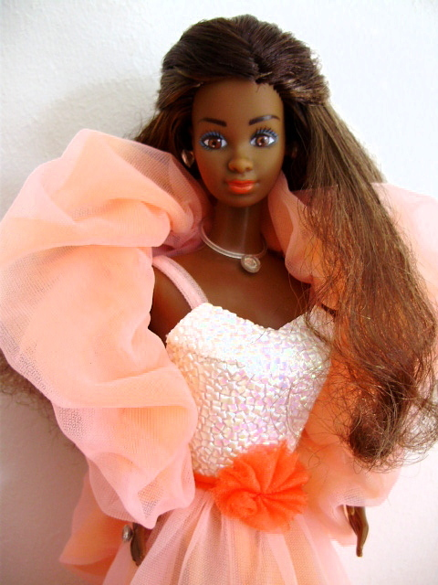 Peaches n Cream Barbie AA 1984