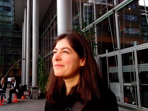 Emilia Castioni, mentre guarda il Sole by Ylbert Durishti