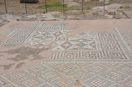 Mosaiken aus römischer Zeit zeigen u.a. Swastikamuster
