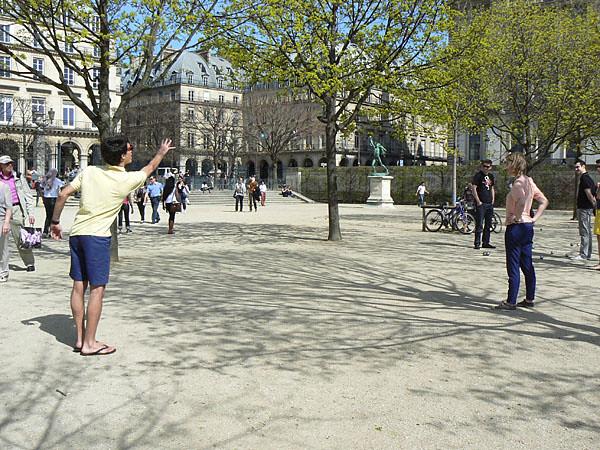 joueurs de boules aux Tuileries.jpg
