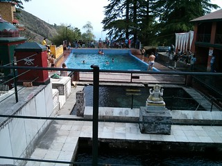 The swimming pool alongside the temple. Source: Kiran Jonnalagadda