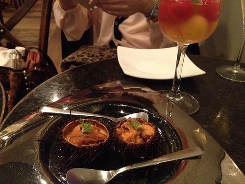 トマトのサラダとウニプリン@Me Chablis(ムシャブリ)