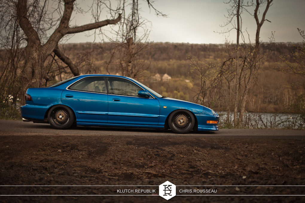 Slammed acura integra with klutch wheels sl1 16x9 black and bronze stanced