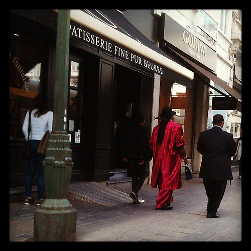 man in red #street #candid #fashion #rouge #brussels #paul #godiva