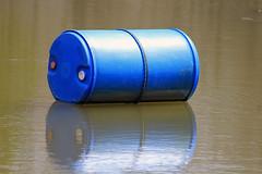 wheel(0.0), plastic wrap(0.0), cylinder(1.0), blue(1.0),