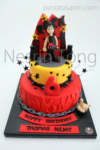 thomas nejat rock star cake 1