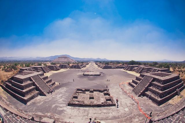 古代都市テオティワカンの風景