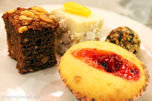 Brownie, Suman Panna Cotta, Rhum Ball and Cherry Cake