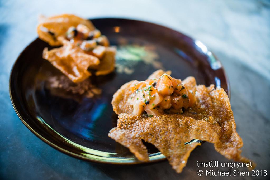 Ume Otsumami - snacks in the form of salmon tartare on nori-flavoured rice crackers
