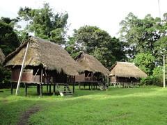 科芬族居住之茅草屋及獨木舟-1