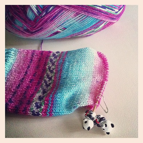 A perfect day for sock knitting:) Una giornata perfetta per lavorare le calze :)