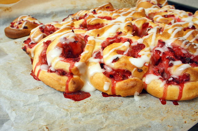 Strawberry Sweet Rolls by orangenmond.at