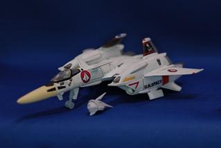 1/100可変VF-4ライトニングIII スカル小隊一条機