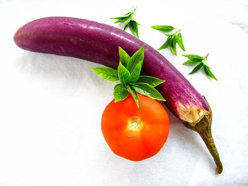 IMG_0861 brinjal and tomato, basil