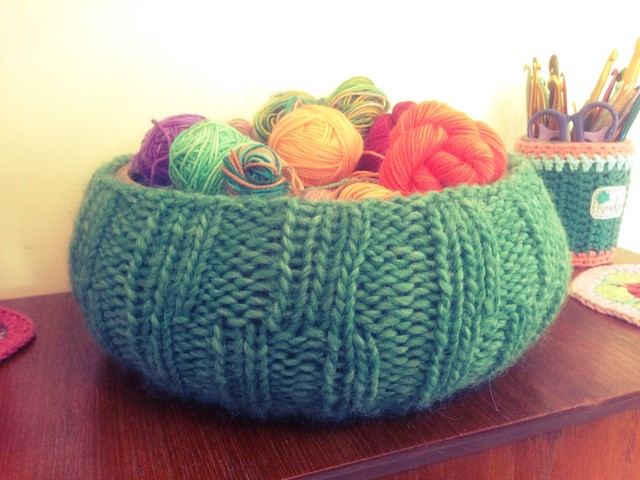 Yarn bowl jumper