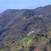 Vista de Santa María Mixistlán desde Santa María Yacochi, Región Mixes, Oaxaca, Mexico por Lon&Queta