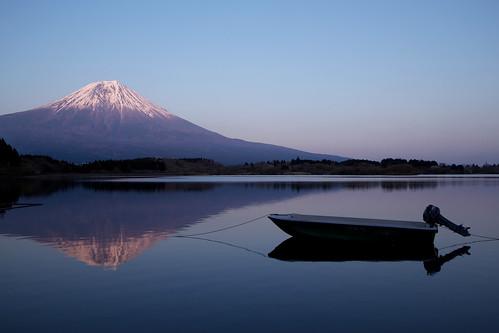 sunset mountain lake reflection water boat reflex dusk reflect