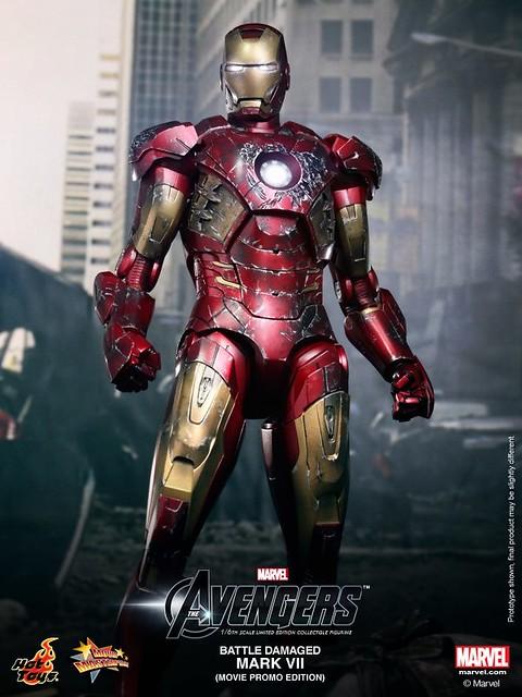 Hot-Toys-Battle-Damaged-Iron-Man-Mark-VII-006