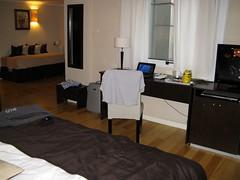 living room(0.0), building(1.0), room(1.0), property(1.0), suite(1.0), interior design(1.0), home(1.0),
