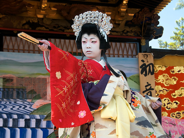 Children kabuki theater in Nagahama (lady Shizuka, 10 y.o.)