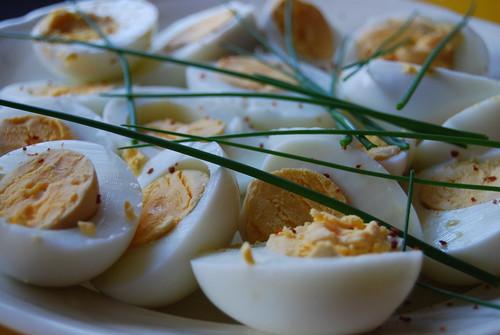 hardgekookte eieren met bieslook
