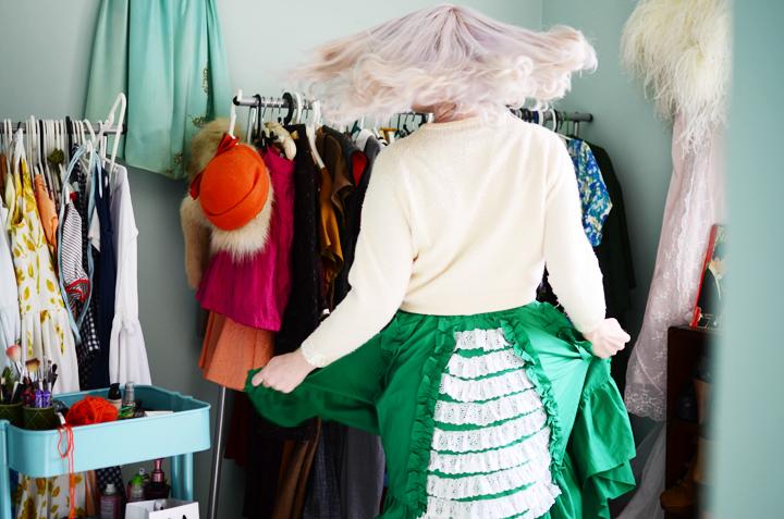 vintage-green-ruffle-skirt c