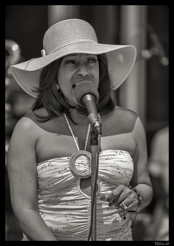 Singer at Art on the Square - Belleville Illinois