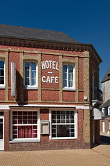 Le Relais Saint-Ribert «Hôtel - Café »
