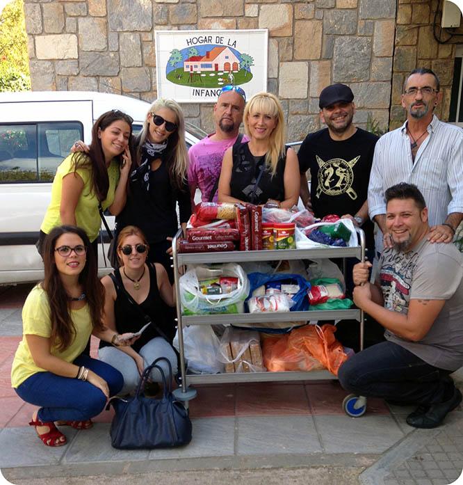 Actores de las Bodas de Aníbal e Himilce donan alimentos a la Casa Cuna