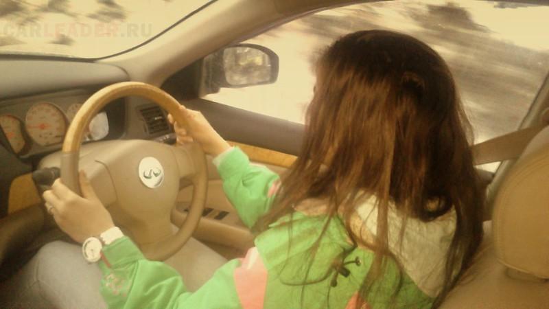 Nissan Bluebird Axis with Infiniti steering wheel