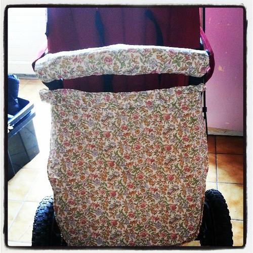 Tablier rectifier et poignée terminer ^^ #bugaboo #couture #creation #blog #blogueuse #vintage