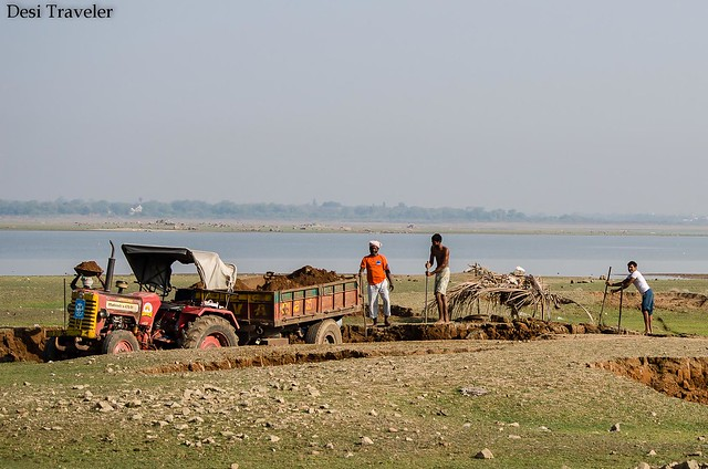 sand mining from the lake bed of Gandipet