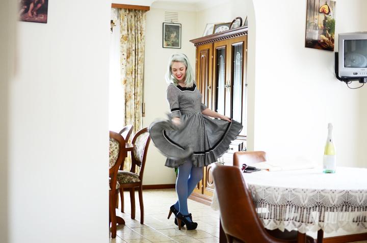 bw swirly skirt