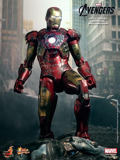 Hot-Toys-Battle-Damaged-Iron-Man-Mark-VII-007