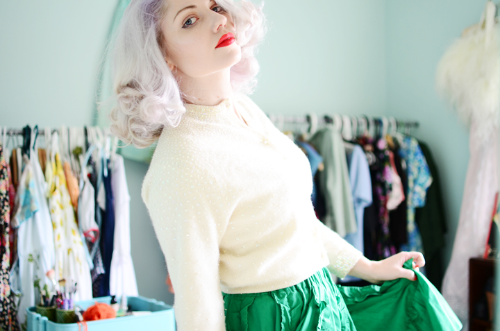 vintage-green-ruffle-skirt g