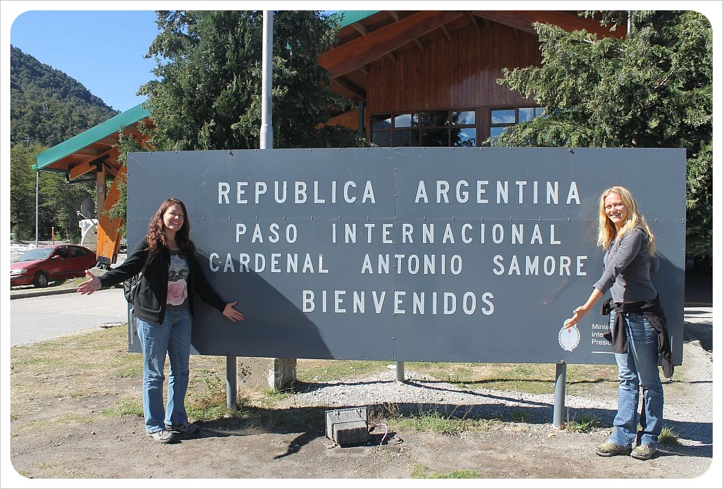 dani and jess at the border Chile - Argentina