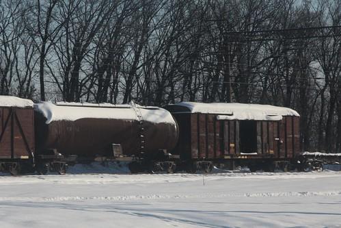 Abandoned wagons in a siding at at Іловайськ (Ilovaisk)
