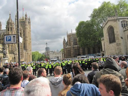 Protestors face TSG 3604