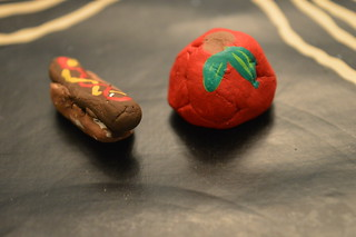 Clay - Hot Dog and Apple