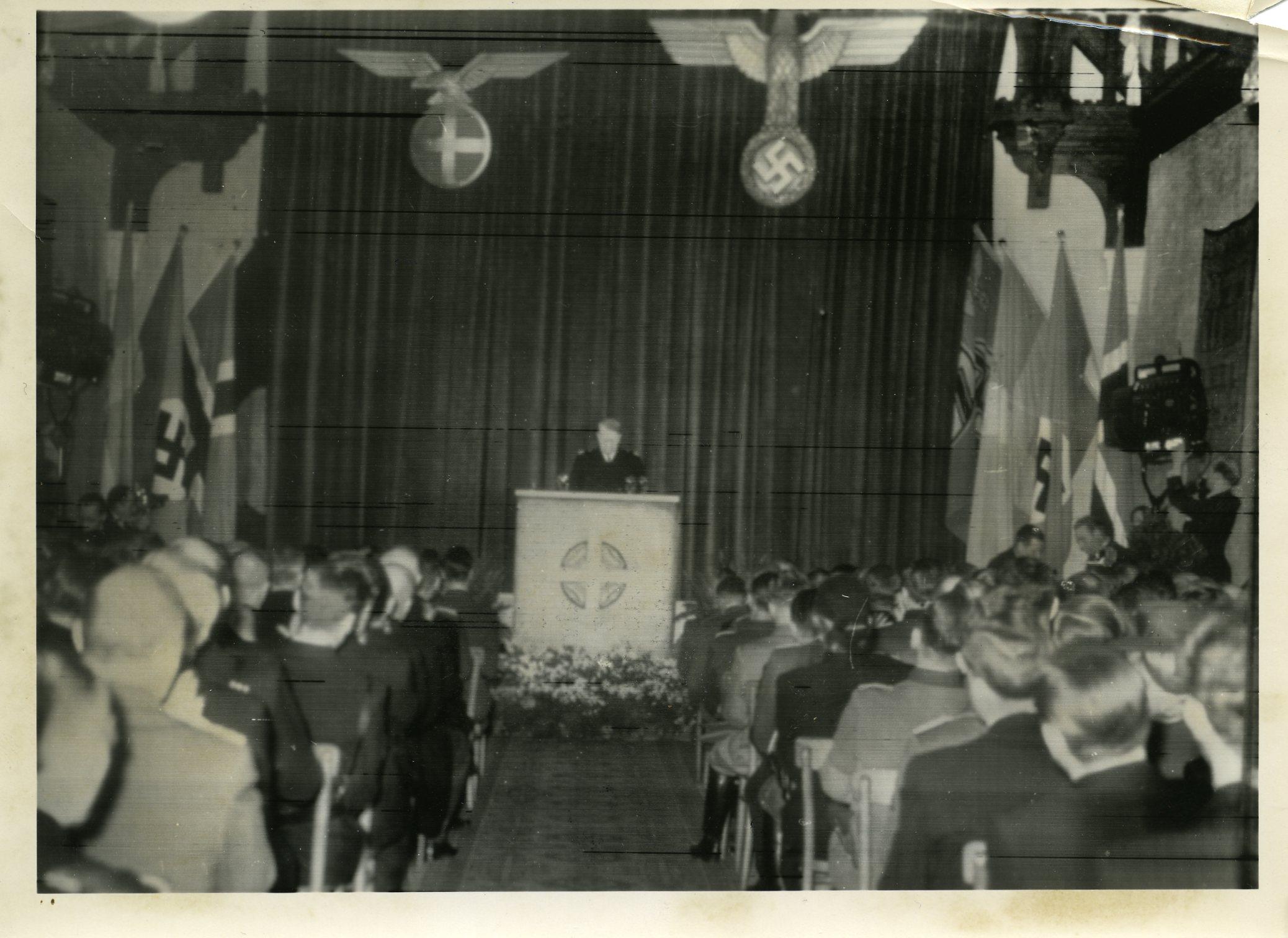 Statsakten. Akershus. Vidkun Quisling taler. 1942/02/01.