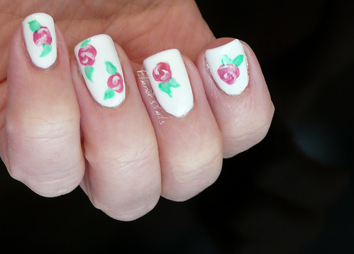 floral nail art 3