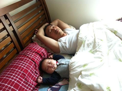 父子午睡時間