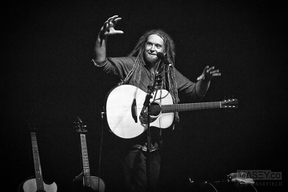 Newton Faulkner performs at the Tivoli Theatre