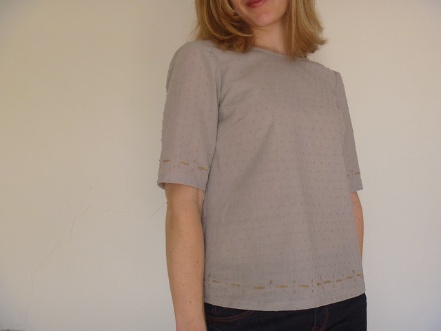 laurel top in swiss dot