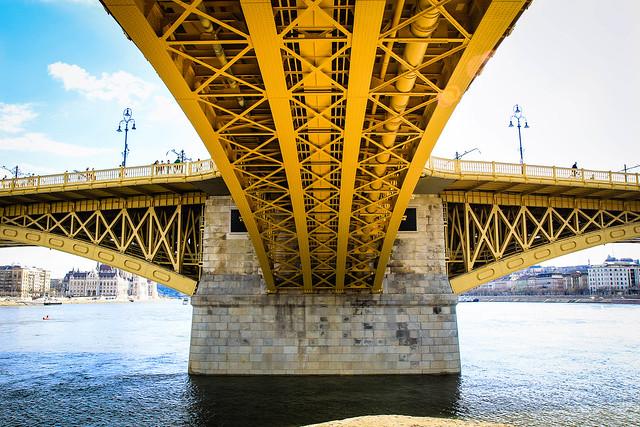 Vista del Puente Margarita, Budapest, Hungría.