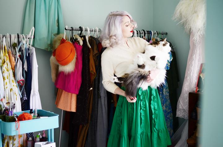 vintage-green-ruffle-skirt d